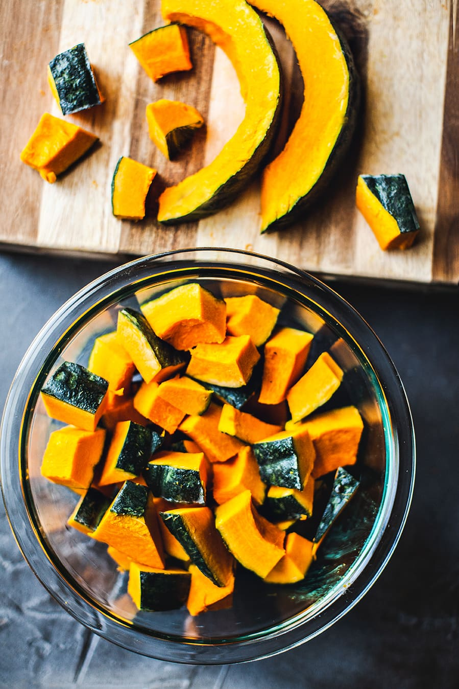 What is a kabocha squash and how to cook with Kabocha squash. Easy recipes for kabocha squash. Red Thai curry with chicken and Kabocha squash
